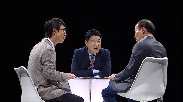 '썰전' 유시민 전원책, 깜짝 랩 선보여 '웃음바다'