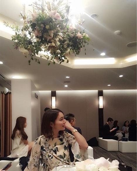"""[★SNS]""""입 삐죽, 눈 똥글""""..'이병헌 ♥' 이민정, 오늘도 여신 미모"""